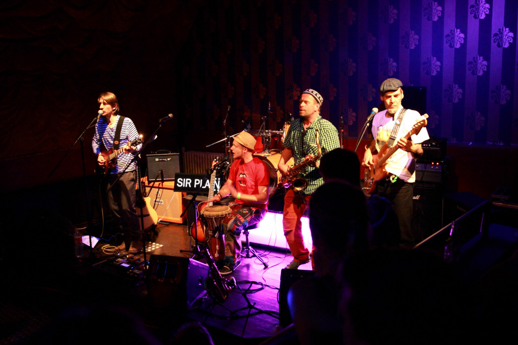 Konzert mit GERRY & THE PEACEMAKERS, SIR PLAIN und VERBOTEN