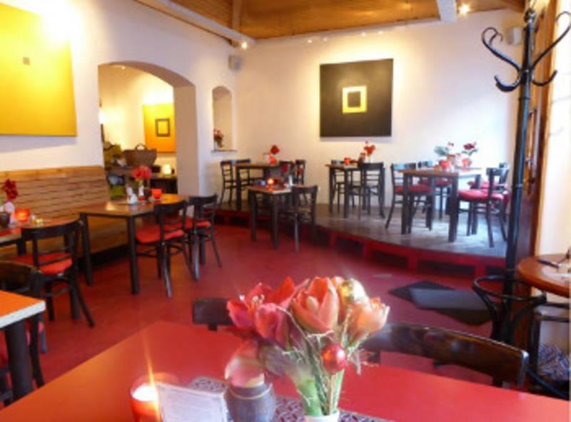 Café im Vorderhaus