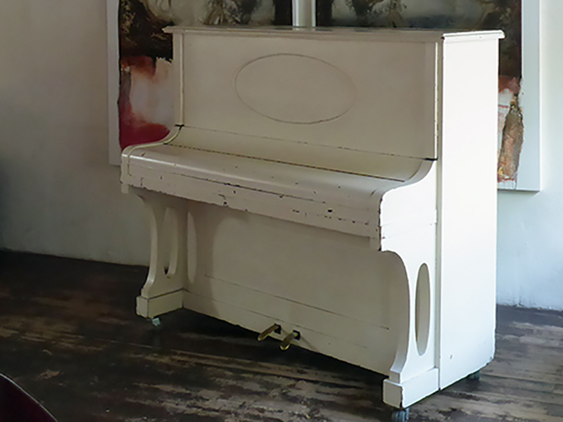 das weisse Klavier des LA